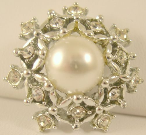 Sarah Coventry Ultima Brooch / Pin with Rhinestones and Faux Pearl
